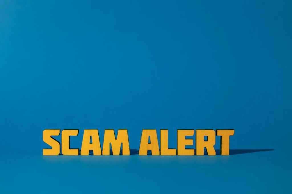 ways to avoid gift card scams